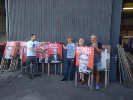 SPD Puchheim bei der Vorbereitung zum Plakatieren